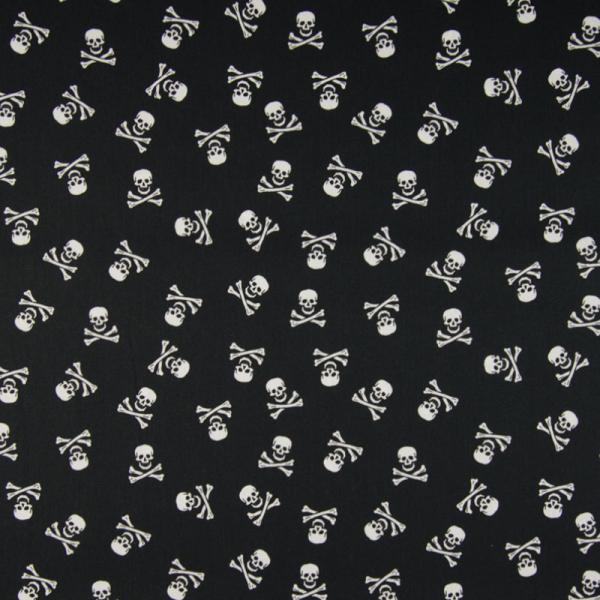 Baumwolle ~ Totenköpfe auf Schwarz